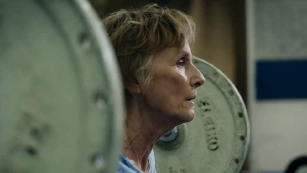 Hon tränar varje dag.