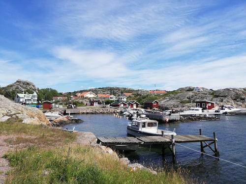Brännö skiljer sig från de andra öarna i skärgården då huvudnäringarna varit jordbruk och sjöfart.