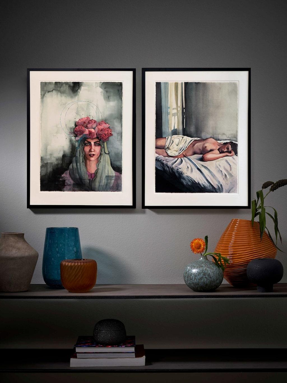 """""""Rosa"""" och """"Paris"""", två konstverk av Linnea Swärd. Hennes kvinnoporträtt har nästan alltid en tidlös känsla."""