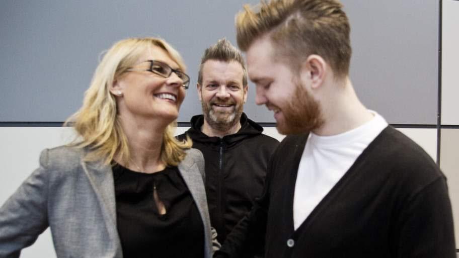 """Efterlyser fler donatorer. Micke """"Syd"""" Andersson med exfrun Madde och deras son Dennis. Dennis ska få en ny njure av sin mamma. Nu uppmanar de fler att anmäla sig som organdonatorer: """"Du kan faktiskt rädda liv, Säger Mick """"Syd"""" Andersson."""