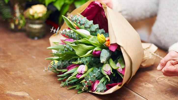 Färska blommor, visst är det härligt? Men det är också väldigt irriterande när de inte håller längre mer än ett par dagar.
