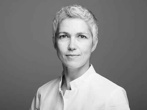 Carolin Freccero är överläkare vid Plastikkirurgiska kliniken på Skånes universitetssjukhus samt sekreterare i läkarorganisationen Svensk plastikkirurgisk förening