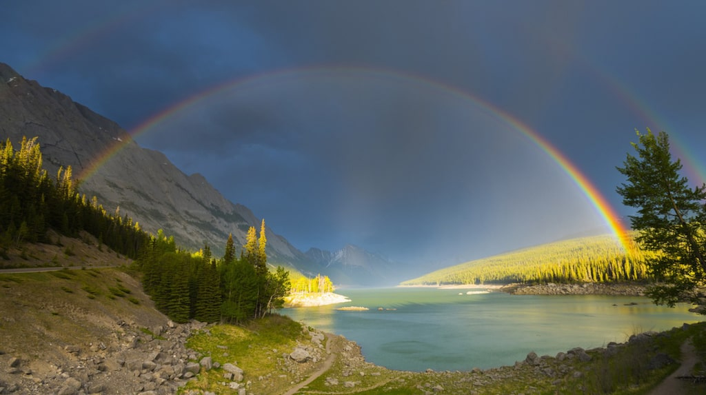 <p>Jasper nationalpark, Kanadensiska klippiga bergen. Foto: Shutterstock</p>