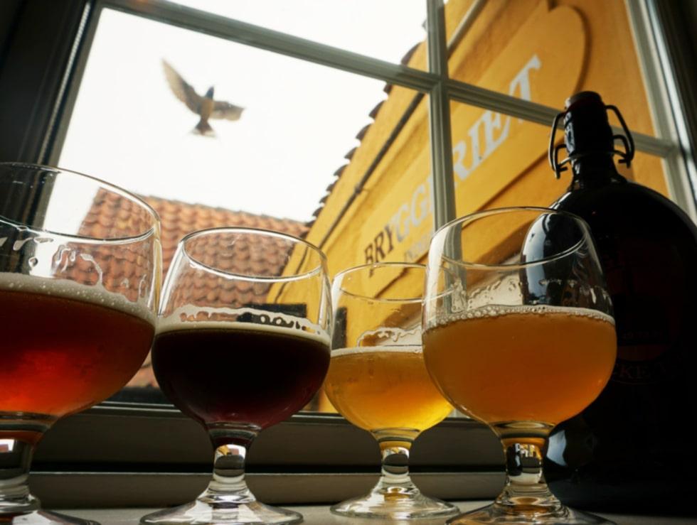 Svaneke Bryghus har 20 varianter på fatöl och 30 buteljerade ölsorter.