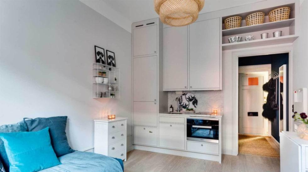 Här är en annan av visningslägenheterna. Alla lägenheter har platsbyggda kök med utrustning av högsta kvalitet.