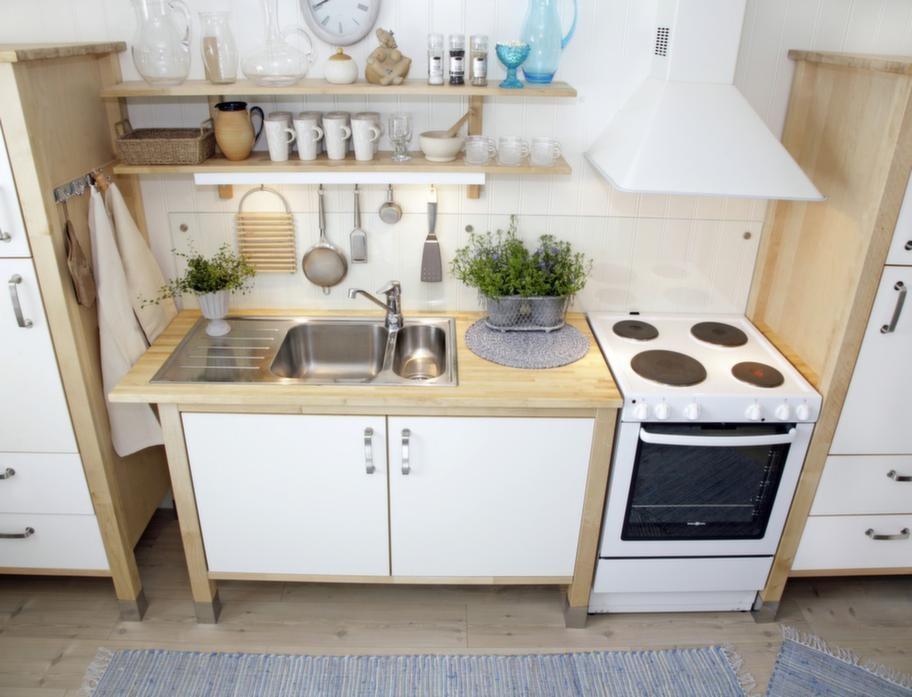 Ett fristående kök ser inte lika tungt ut som ett inbyggt.