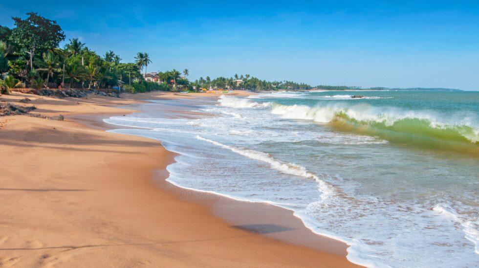 Fem kilometer sydost omsydkustens största stad, Galle, ligger en av Sri Lankas  populäraste destinationer, Unawatuna.