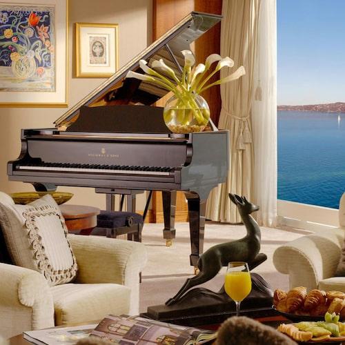 Världens dyraste hotellrum har utsikt över Genèvesjön.