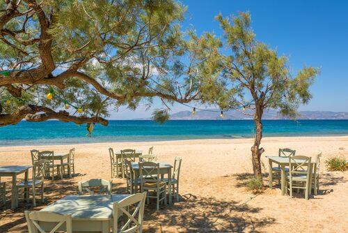Underbara stranden Plaka på Naxos.