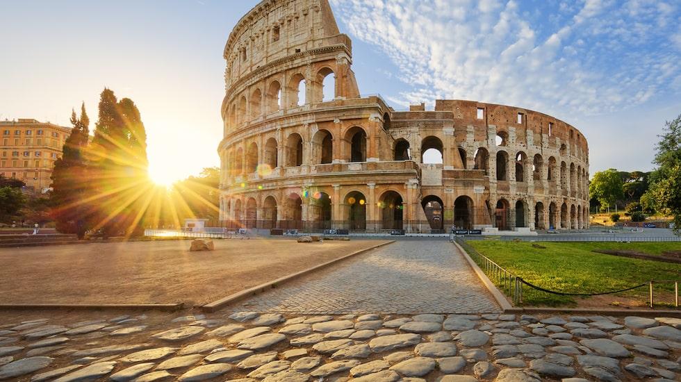 Visste du att... när Colosseum stod övergivet använde katolska kyrkan stenar där ifrån för att bland annat bygga Petruskyrkan.
