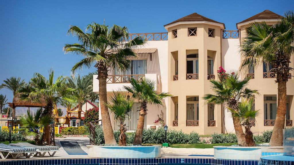 Men listan toppas av lyxhotellen i två egyptiska städer.