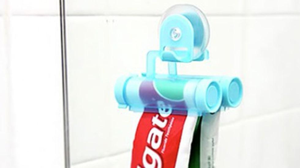 Tandkrämsklämmaren. Nog finns det roligare saker än att försöka få ut tandkrämen ur tuben. Med denna smarta manick slipper du göra det själv.
