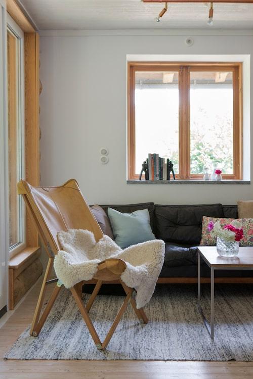 Dansk läderstol gjord av hantverkare på Lolland.