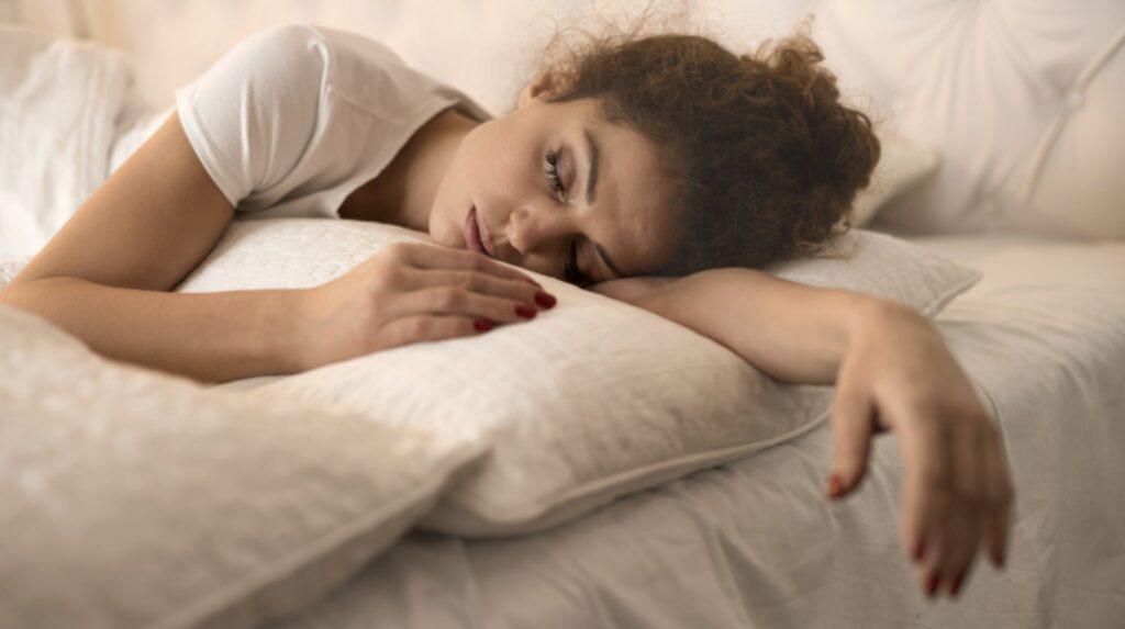 Det finns flera enkla knep som gör ditt sovrum mer hälsosamt – och sömnvänligt!