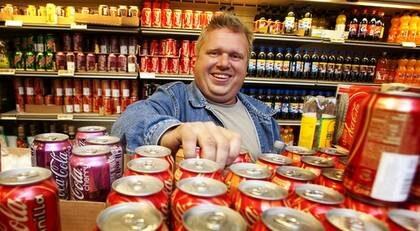 """Peter Flennert, 45, snickare och egenföretagare från Stockholm dricker en och en halv liter läsk i veckan. """"Jag har hört talas om forskningsresultaten men känner ingen oro""""."""