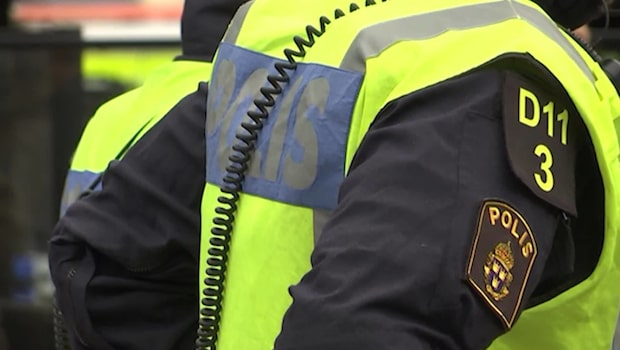 Polisen Adams lön efter åtta år: 25 000 kronor
