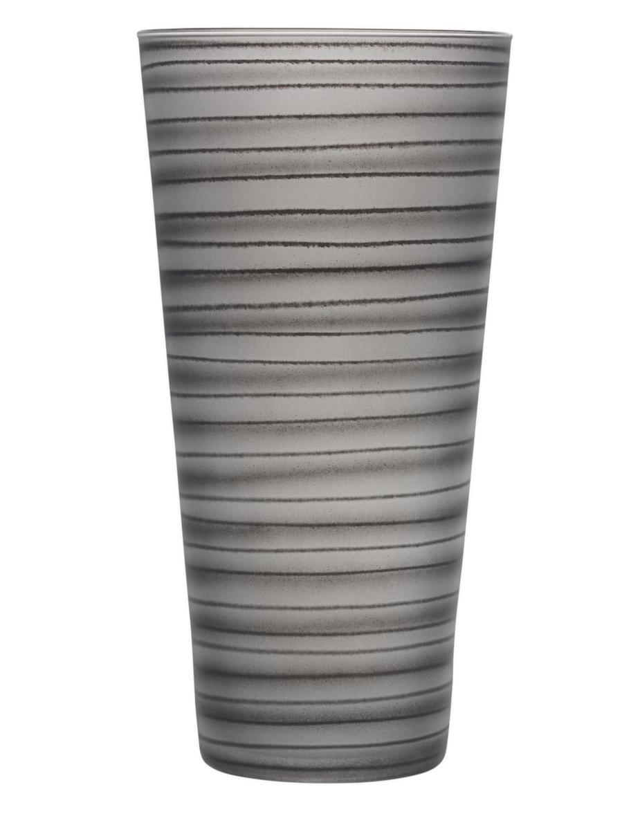 Snygg vasSvensk vas som passar till servisen, Straw, designad av Ingegerd Råman för Orrefors, 700 kronor, artglassvista.se.