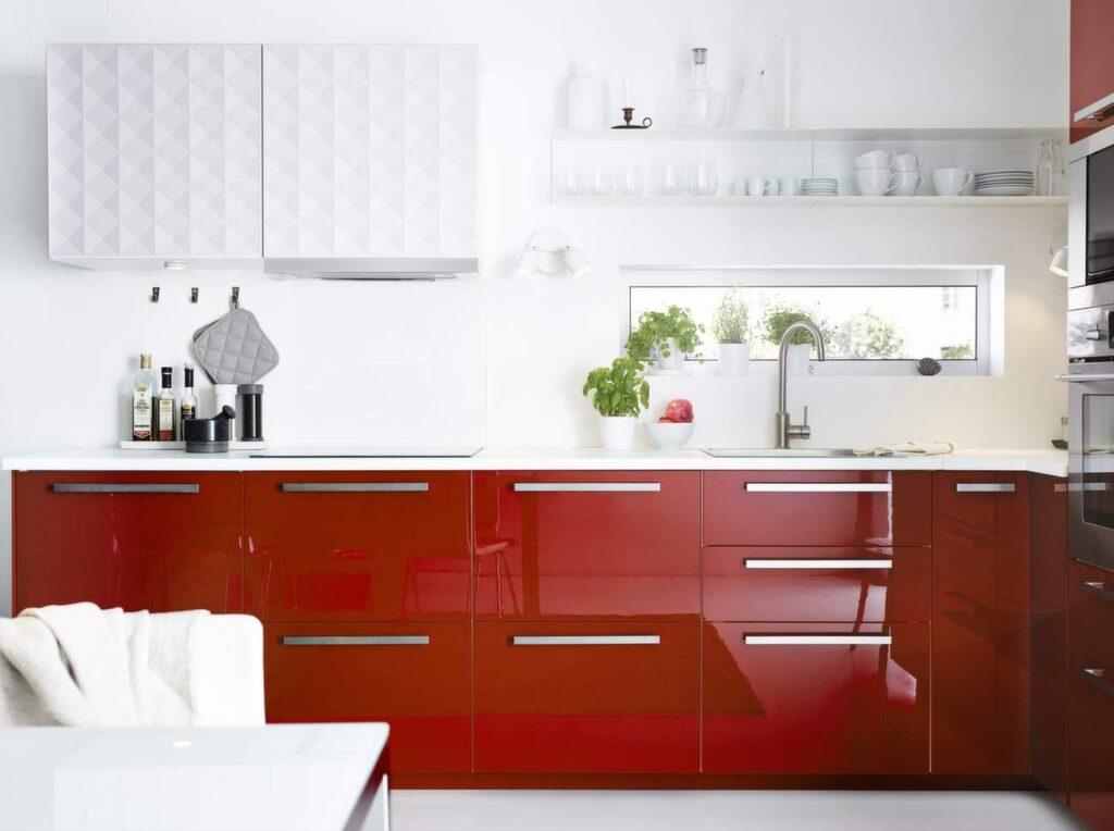 Dags att köpa nya köksluckor eller omlackera de du redan har? Läs våra råd först!