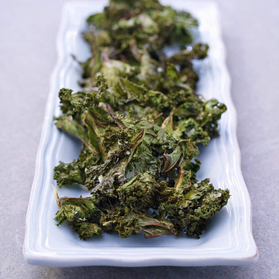 Grönkålschips passar fint som tillbehör eller precis som det är.