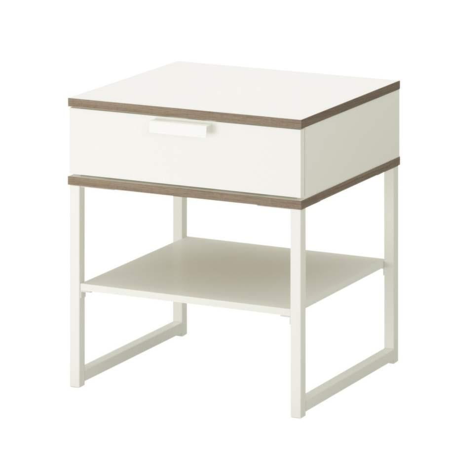 4. Stilrent. Avlastningsbord Trysil, höjd 50 centimeter, 299 kronor, Ikea.