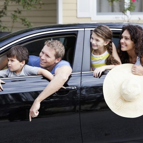 Haffa inte rattan. Turas om att köra om ni är fler i bilen med körkort.