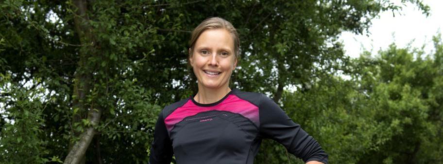Anna Nystedt, från Kävlinge springer Stockholm Marathon på lördag. Hon väljer en långärmad funktionströja och trekvarts-tajts.