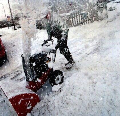 Denna vinters rikliga snöande har skapat ett rekordartat sug efter snöslungor.