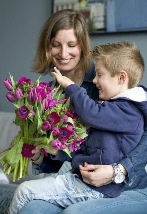 Alla blir glada av växter och blommor. Tulpaner piggar upp både hemmet och de som bor där.