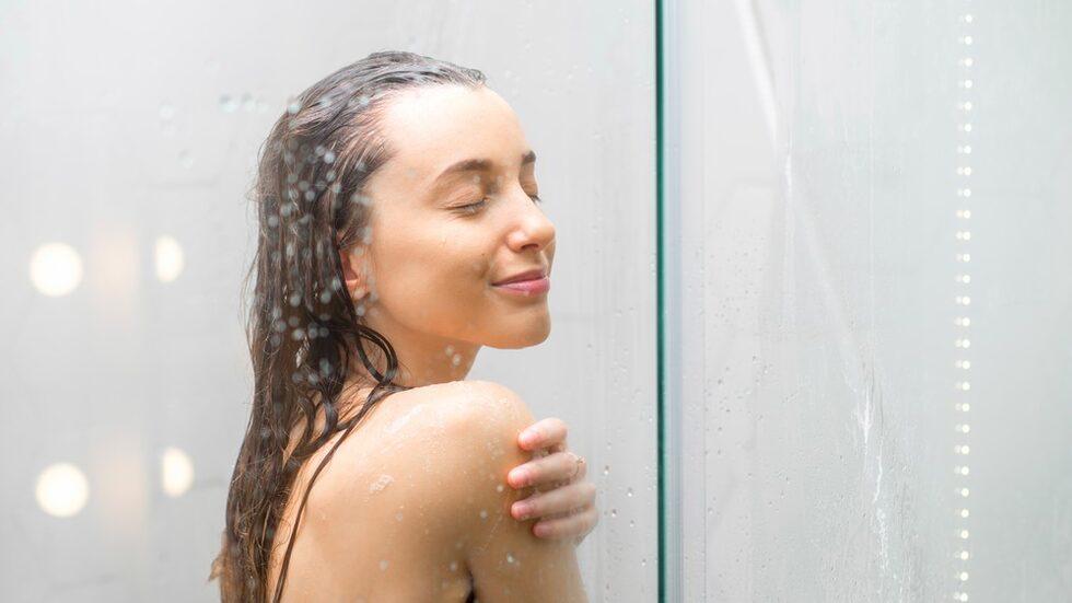 Vi gör dagligen ofräscha misstag när vi ska duscha.