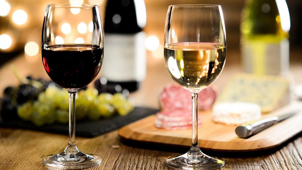 Tillverkningsmetoden avgör också vilken färg vinet får.