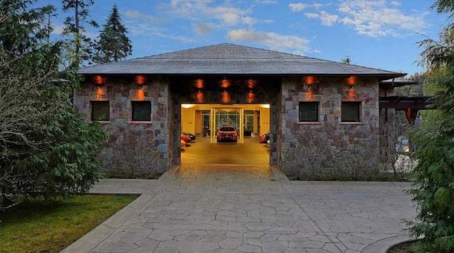 Själva huset är på imponerande 627 kvadratmeter.