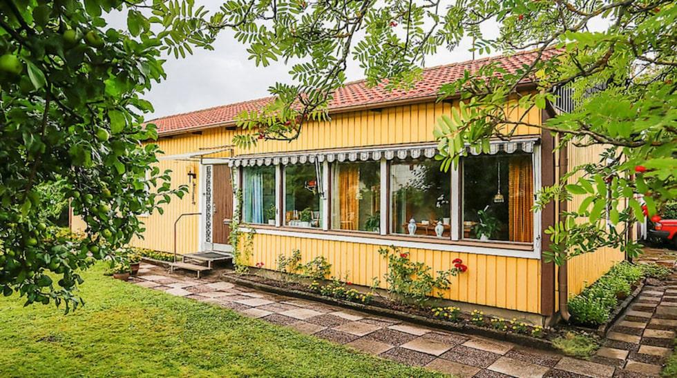 Enplansvillan som nu ligger ute till föräljning i Johannesbäck byggdes 1956 –och när det gäller inredningen har tiden stått still sedan dess.