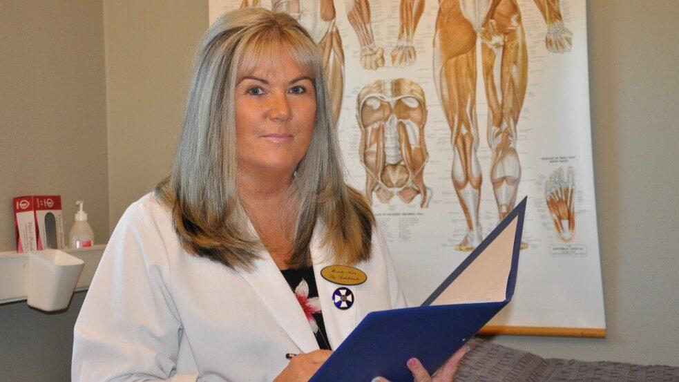 Monicha Norén, klinikchef på Migränkliniken i Värnamo, har arbetat med svår huvudvärk i många år.