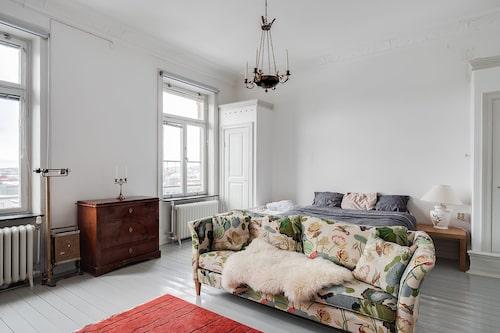 – Personligen tycker jag att det finns förutsättningar för att det här ska kunna bli Göteborgs finaste våning, säger Ludwig Lundgren.