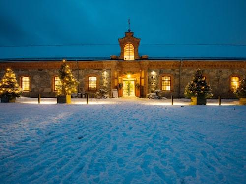 Steninge Slotts julmarknad äger rum i Stenladan.