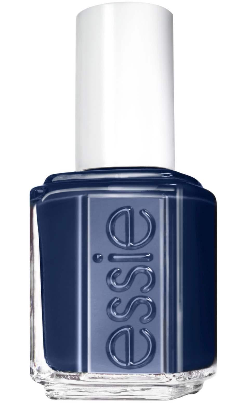 Midnattsblått lack från Essie, 129 kronor.