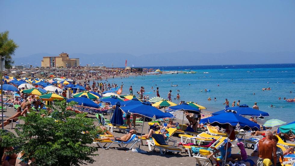 Varma, långgrunda och mycket populära Elli Beach.