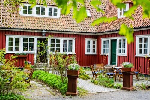 Vallåsens värdshus i Halland har årets bästa mat.