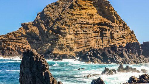 Vackra saltvattenpoolerna vid Porto Moniz.