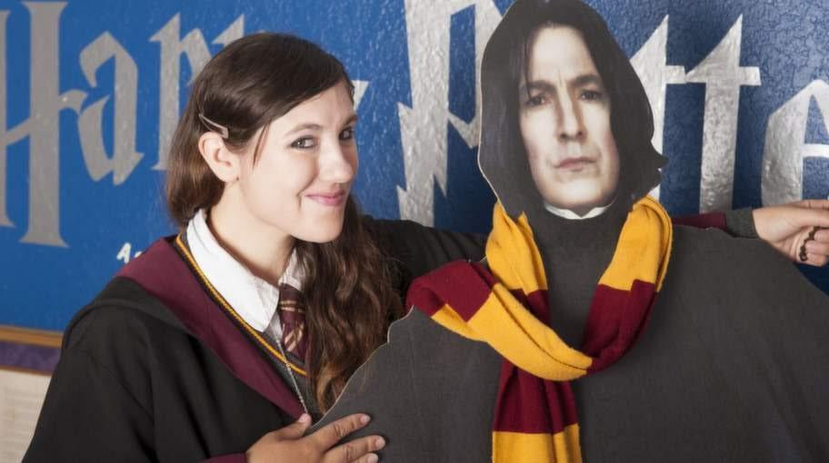 Katie och professor Snape i verkligt storleksformat.