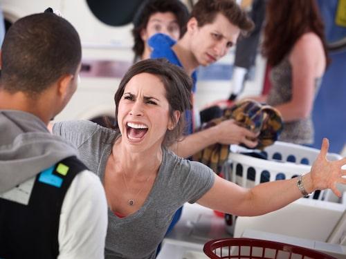 """""""Du städar aldrig och jag får alltid ta hand om tvätten!"""