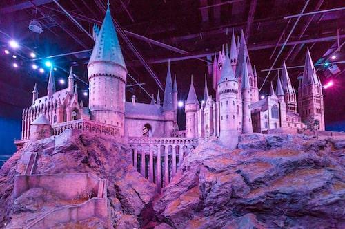 Hogwarts så som det presenteras på Warner Brothers Studio.