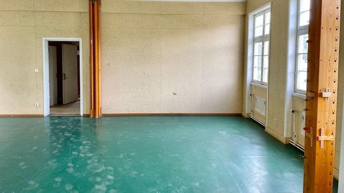Gymnastiksalen ligger en trappa upp.