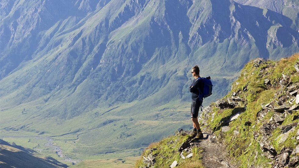Det finns många fina vandringsleder i Alperna.