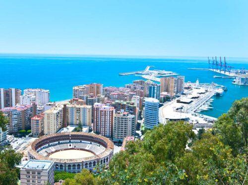 Malaga - en stad att besöka i april.