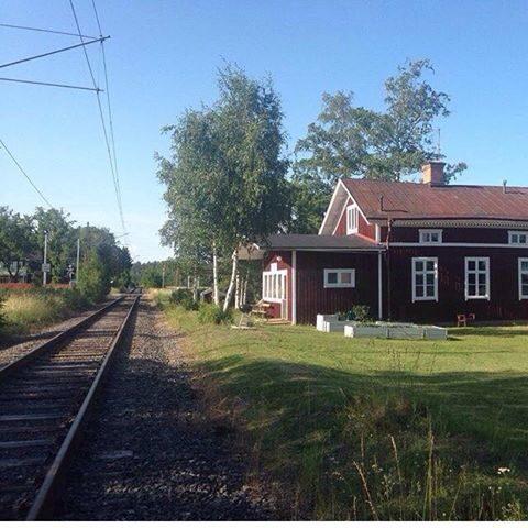 Valsberga station i Åkers styckebruk har ökat rejält i värde på ett år.