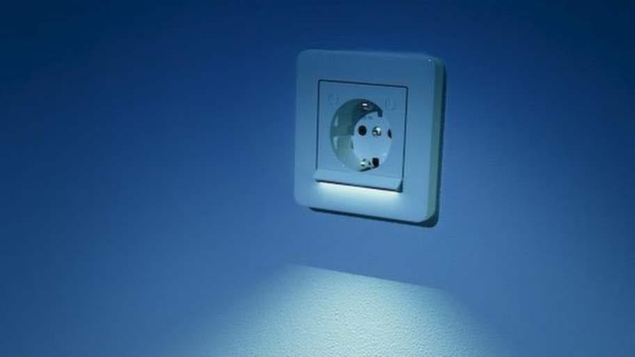 Eluttag med inbyggd belysning från Schneider Electrics.