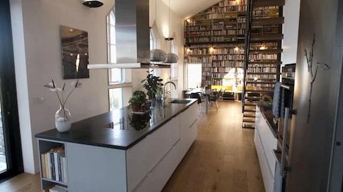 """""""Det är som ett hus med ett bibliotek"""", säger Katja."""
