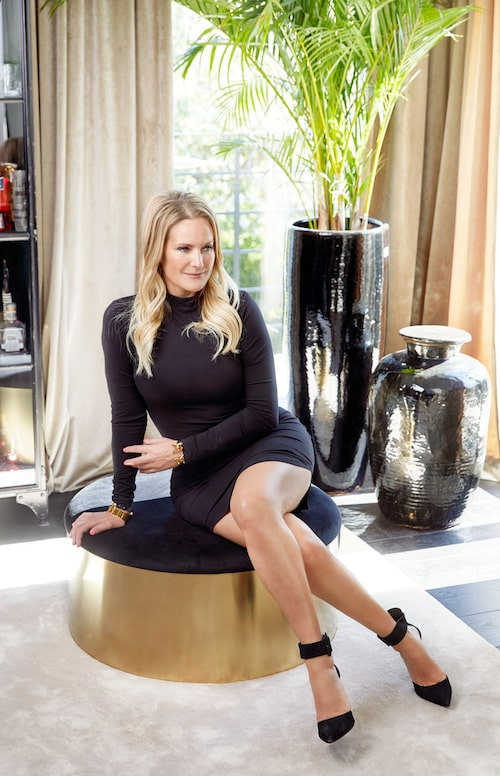 Puffen i svart och mässing är en av möblerna i Laila Bagges kollektion Furniture Fashion.