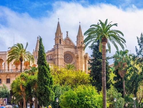 Palma är ett självklart måste på Mallorca.